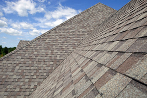 Homes roofed with asphalt shingles in Sioux City
